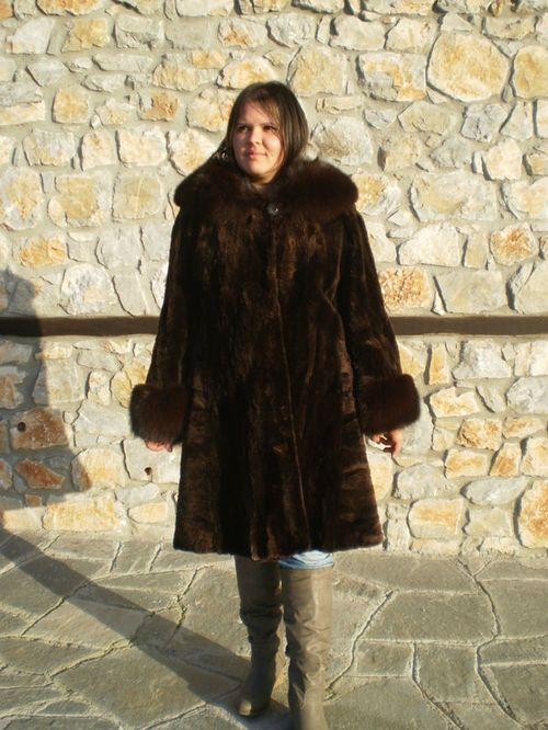 Где купить норковую шубу в Греции: обзор мест