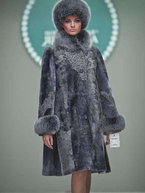Модные мутоновые шубы в коллекции нового сезона