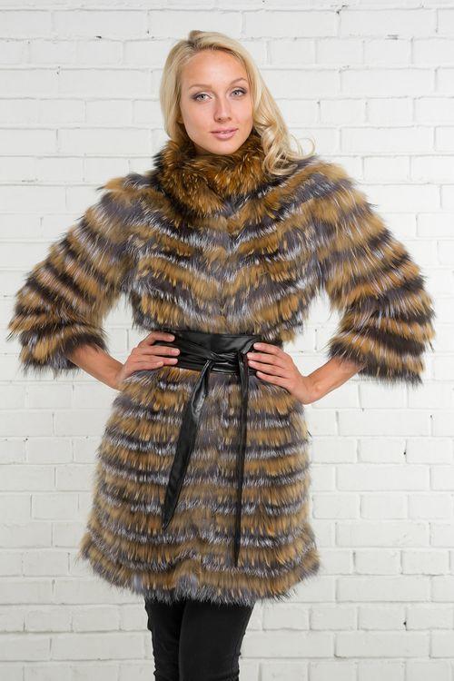 Обзор про меховые жилеты из чернобурки в каталоге моделей сезона