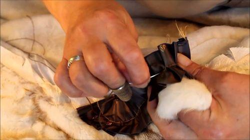 Как произвести замену крючков на шубе