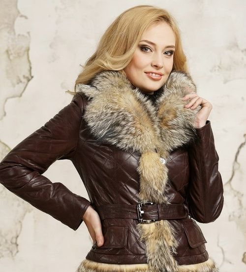 Женская курточка с мехом