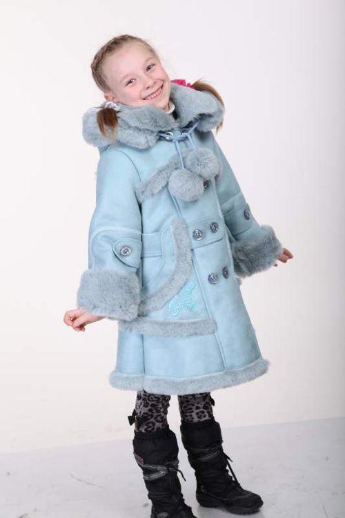 Стильные и модные дубленки для детей